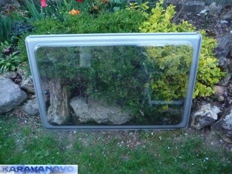 Okno Fendt - bočné 75,5 x 59,5 cm